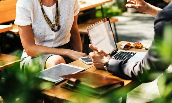 la-digitalizacion-y-el-cambio-de-poderes-entre-empresa-y-cliente